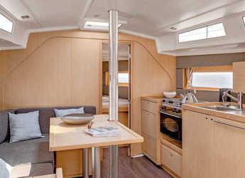 Chartern Sie segelboot Oceanis 38 in Port Roses, Girona