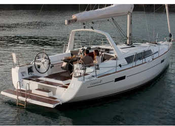 Rent a sailboat in Marina Gouvia - Oceanis 41