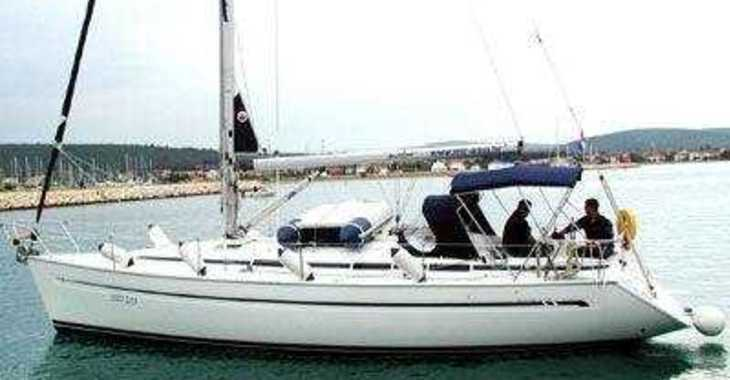 Rent a sailboat in Alimos Marina Kalamaki - Bavaria 38 Cruiser/2cbs