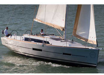 Rent a sailboat in Veruda - Dufour 382