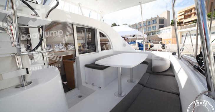 Alquilar catamarán en Cala Nova - Lagoon 380