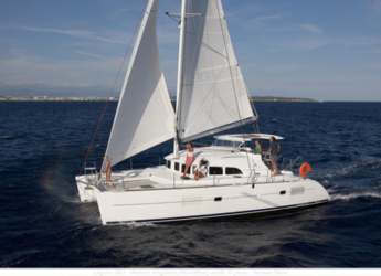 Rent a catamaran in Cala Nova - Lagoon 380