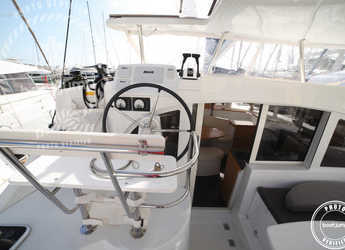 Alquilar catamarán Lagoon 380 en Cala Nova, Palma de mallorca