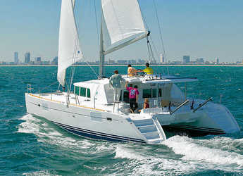 Alquilar catamarán en Marina Mandraki - Lagoon 400
