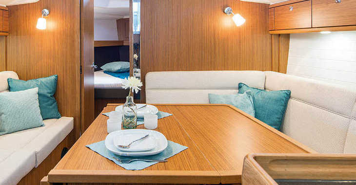 Rent a sailboat in Marina Zadar - Bavaria Cruiser 37
