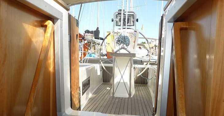Rent a sailboat Bavaria Cruiser 32 in Naviera Balear, Palma de mallorca