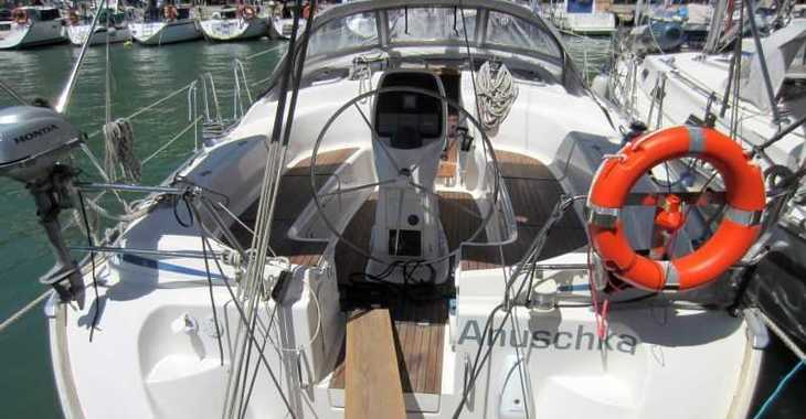 Rent a sailboat in Naviera Balear - Bavaria 39 Cruiser
