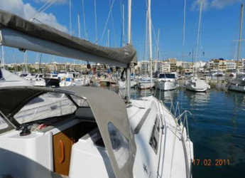 Rent a sailboat in Port of Pollensa - Sun Odyssey 33i