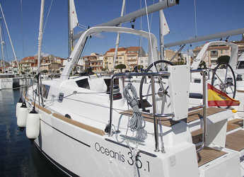 Rent a sailboat in Club Nautic Cambrils - Oceanis 35.1