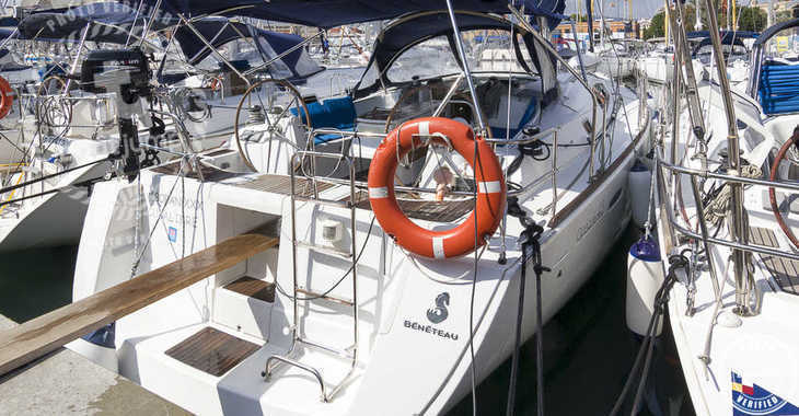 Rent a sailboat in Marina del Sur. Puerto de Las Galletas - Oceanis 43