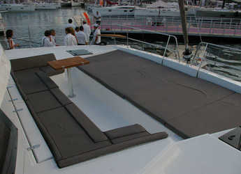Rent a catamaran Bali 4.5 in Port Moselle, Noumea