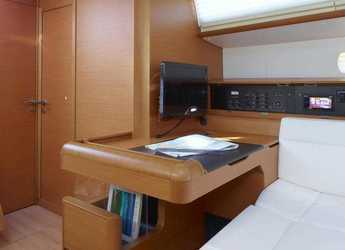 Rent a sailboat Jeanneau Sun Odyssey 519 in American Yacht Harbor, Red Hook