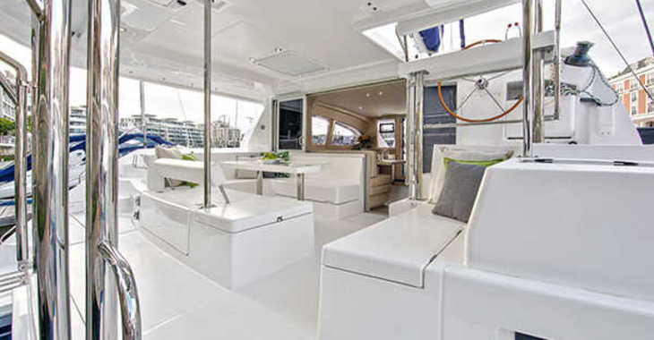 Alquilar catamarán a motor Leopard 404 en Harbour View Marina, Marsh Harbour