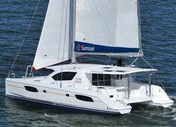 Rent a power catamaran in Inner Harbour Marina (Road Town) - Leopard 44
