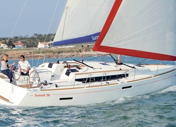 Rent a sailboat in Inner Harbour Marina (Road Town) - Beneteau Oceanis 38