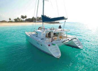 Alquilar catamarán Lagoon 440 en Club Nàutic Estartit, Girona