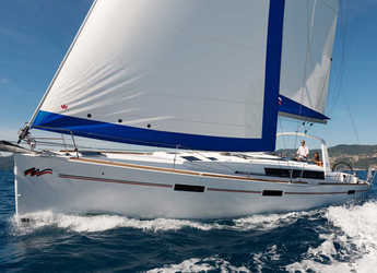 Rent a sailboat in Inner Harbour Marina (Road Town) - Beneteau Oceanis 45.3