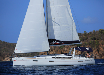 Rent a sailboat in Inner Harbour Marina (Road Town) - Beneteau Oceanis 45.4