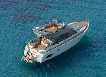 Rent a motorboat in Marina Baotić - Bavaria E40 FLY