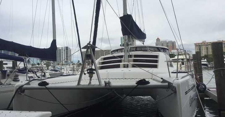 Rent a catamaran in Manuel Reef Marina - Leopard 40