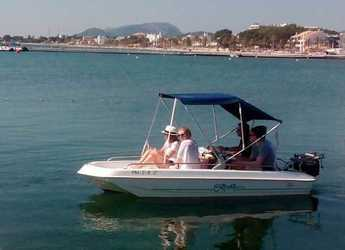 Rent a dinghy in Port of Pollensa - Capelli Cristal 400