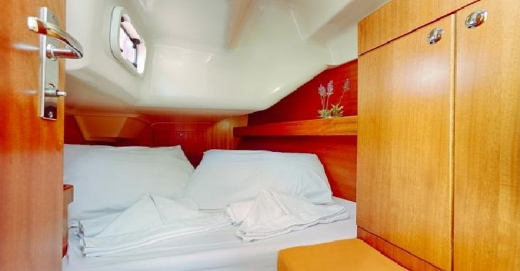 Rent a sailboat in Port d'andratx - Elan impression 344