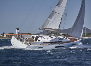 Chartern Sie segelboot in Marina Baotić - Sun Odyssey 440
