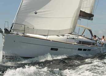 Rent a sailboat in Marina Baotić - Sun Odyssey 509