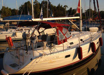 Rent a sailboat in Alimos Marina Kalamaki - Oceanis 36.1