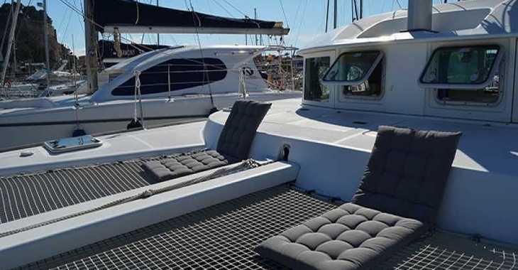 Rent a catamaran in Marina el Portet de Denia - Lagoon 38