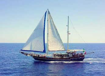 Rent a schooner in Marina di Cannigione - Gulet