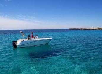 Rent a motorboat in Puerto Deportivo Cala'n Bosch - Cap Camarat 6.5CC