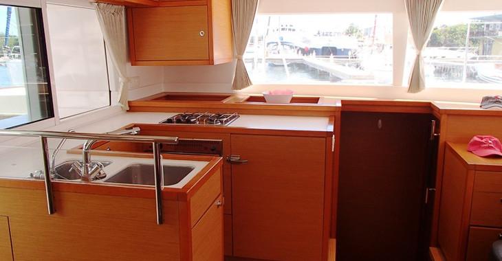 Rent a catamaran in Fort Burt Marina - Lagoon 450 F