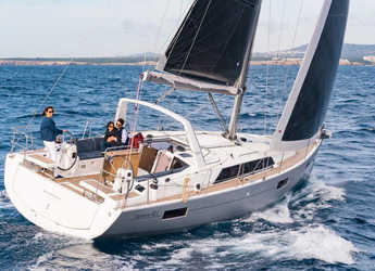 Rent a sailboat in Club Marina - Oceanis 41.1
