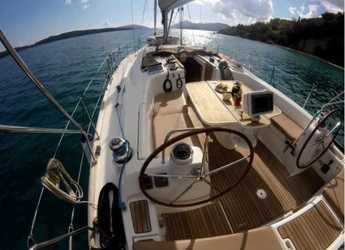 Rent a sailboat in Lefkas Nidri - Oceanis 43