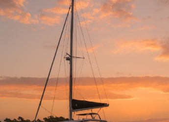 Rent a catamaran in Isla Cristina - Lagoon 40