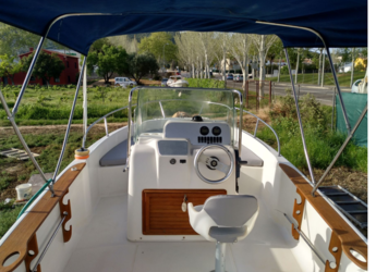 Rent a motorboat Key Largo 22 in Marina Palamos, Palamos