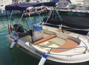 Rent a motorboat in Marina Deportiva Alicante - Astec Fiber 400