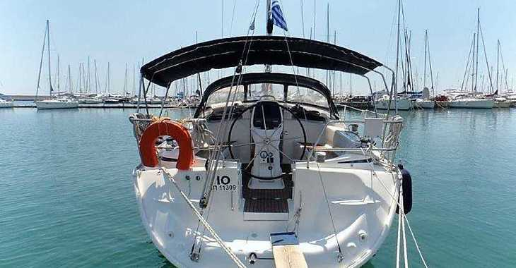 Rent a sailboat in Lefkas Nidri - Bavaria 37 Cruiser