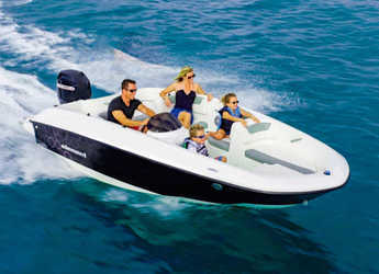 Chartern Sie motorboot in Port d´Alcudia/Port de Alcudiamar Marina - Bayliner E5
