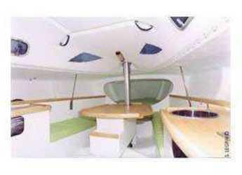 Chartern Sie segelboot in Le port de la Trinité-sur-Mer - Pogo 8.5