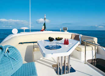 Rent a yacht Azimut 43 Fly in Puerto Banús, Marbella