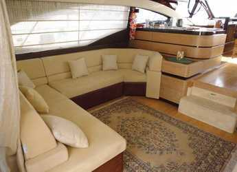 Rent a yacht Azimut  58 Fly in Puerto Banús, Marbella