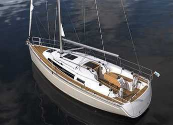 Rent a sailboat in Marina di Portisco - Bavaria Cruiser 34