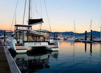 Rent a catamaran in Marina el Portet de Denia - Lagoon 42