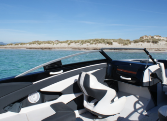 Rent a motorboat Glastron GT 225 in Marina Botafoch, Ibiza (city)
