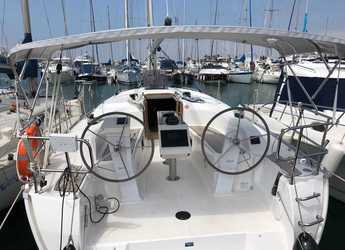 Rent a sailboat in Puerto Deportivo Tomas Maestre - Bavaria 34 Cruiser