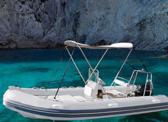 Rent a dinghy in Port of Pollensa - Sea Explorer