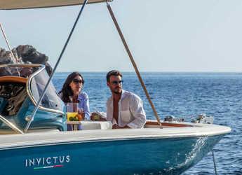 Rent a motorboat Invictus 200FX in Port of Pollensa, Pollensa