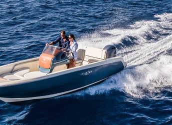 Rent a motorboat in Port of Pollensa - Invictus 200FX